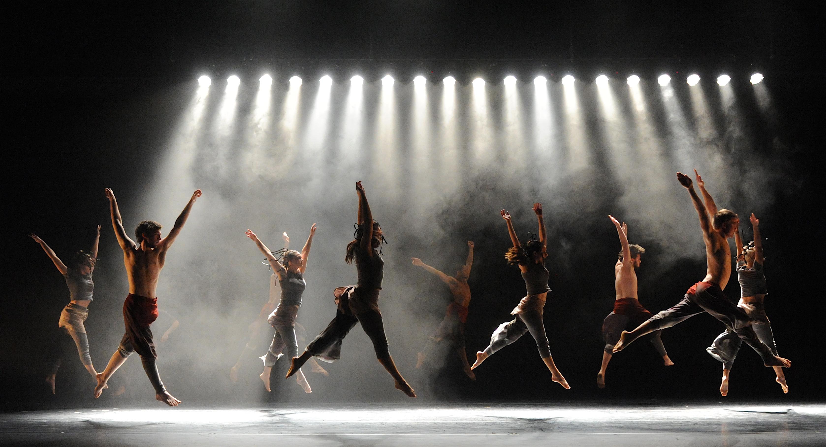 ballet dancers on stage - photo #27
